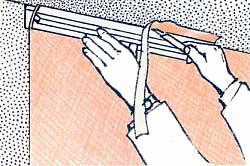 Abschluss Der Tapetenbahn An Decke Und Wand